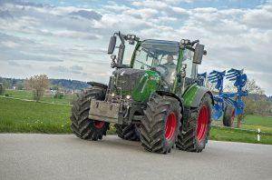 Fendt 300 tractor